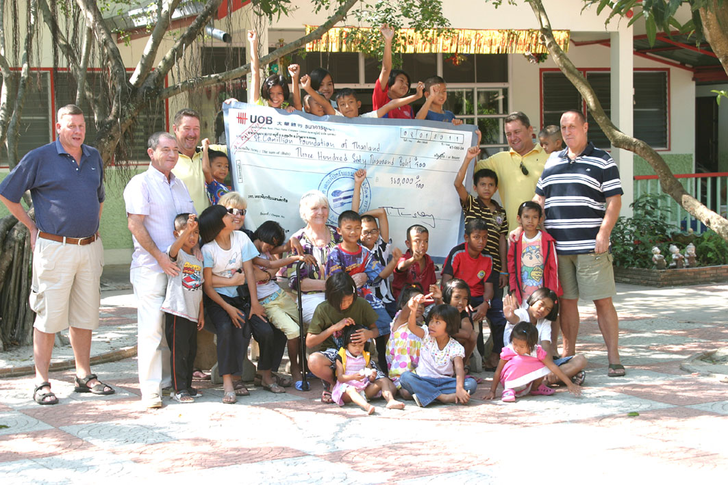 The Camel Pub Ban Chang supports the Camillian Social Center Children living with HIV/AIDS yet again.