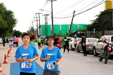 Sunday the 18th of September was the Fun Run at The Camillian Social Center Rayong to support our Children living with HIV/AIDS. It was in two events running together, a 3 kilometre Fun Run and a 10,000 meter race for the Iron Guys.