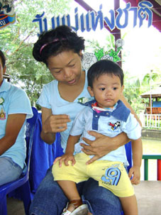 HIV?AIDS kids meet the German Consulate in Pattaya