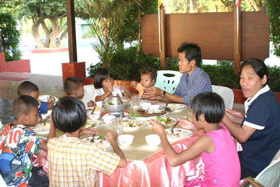 Children living with HIV/AIDS from The Camillian Social Center Rayong having a day out with Norman Vernon and friends form Bolton and North West England.