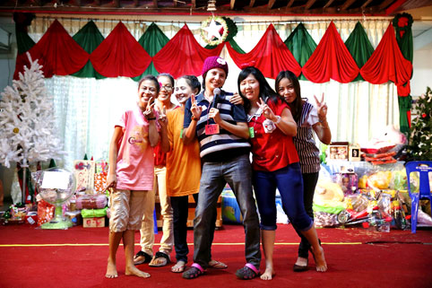 Children living with HIV/AIDS bring in 2014 with a lot of smiles at the Camillian social center rayong thailand