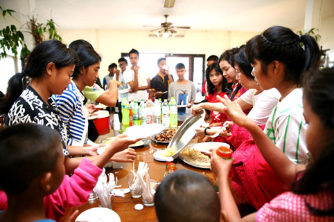 Mr Peter Burke takes all our children for dinner at the Bang Saray Club on Sunday the 14th of December 2014.