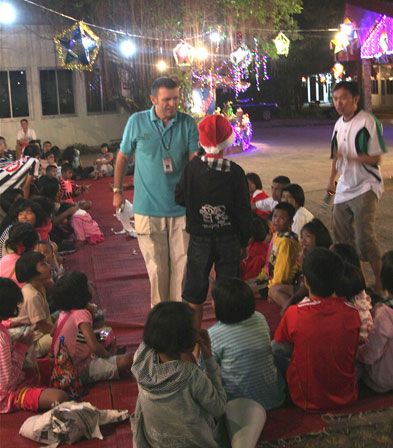 PATTAYA BAY RADIO 103FM MAKE A VERY SPICAL CHRISTMAS FOR THE CHILDREN OF THE CAMILLIAN SOCIAL CENTER RAYONG LIVING WITH HIV/AIDS.