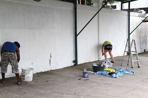 World Famous artist Ryan Katz from Chicago USA, arrived at the Camillian Social Center Rayong to perform her artistic magic in the early part of April 2012  FOR successfully living with HIV/AIDS.
