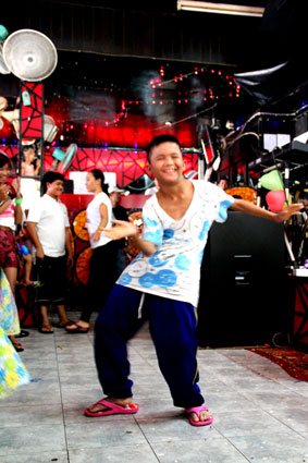 The children living with HIV/AIDS from the Camillian Center Rayong are treated to an afternoon party by Gary of The Rolling LIVE 2 BAR walking street Pattaya.