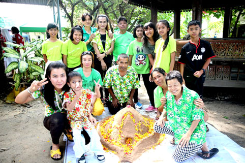 Songkran 2015 for children living with HIV/AIDS at the Camillian Social Center Rayong